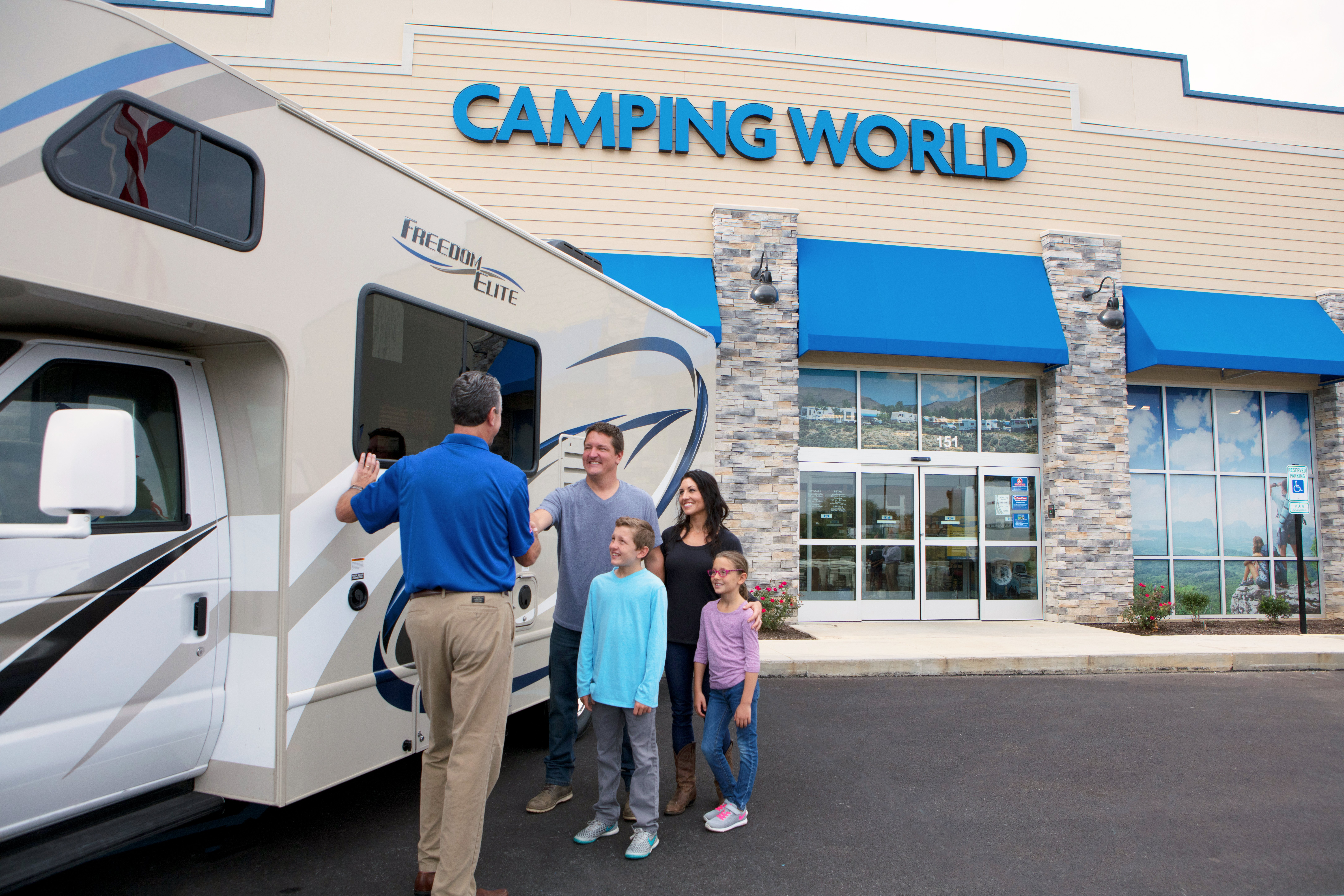 What You Must Know Before Buying an RV